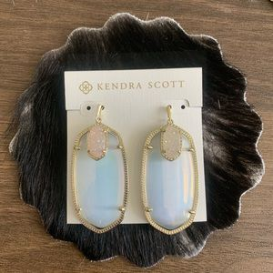 Large Kendra Scott iridescent 2-SIDED earring